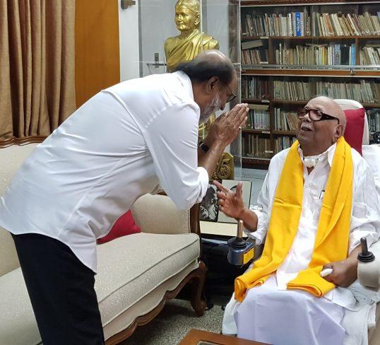 தி.மு.க தலைவர் கருணாநிதியை நடிகர் ரஜினிகாந்த் சந்தித்து ஆசி பெற்றார்