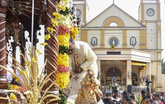 சிறப்பாக இடம்பெற்ற யாழ்.பாசையூர் அந்தோனியார் ஆலயப் பெருவிழா