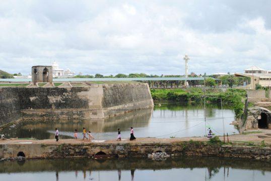 யாழ் கோட்டை பகுதியில் 2700 ஆண்டுகளுக்கு முன்னர் ஆதி இரும்பு கால மக்கள் வாழ்ந்த ஆதாரங்கள் கண்டுபிடிப்பு