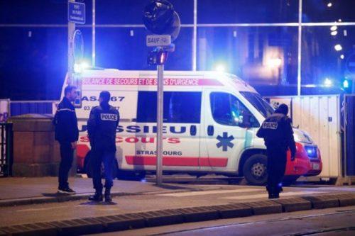 பிரான்ஸ் கிறிஸ்துமஸ் சந்தையில் துப்பாக்கிச் சூடு 4 பேர் பலி 11 பேர் படுகாயம்