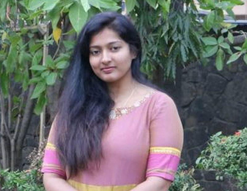 வடிவேலு பட வசனம் டிரெண்டாவது முட்டாள்தனமானது- காயத்ரி ரகுராம்
