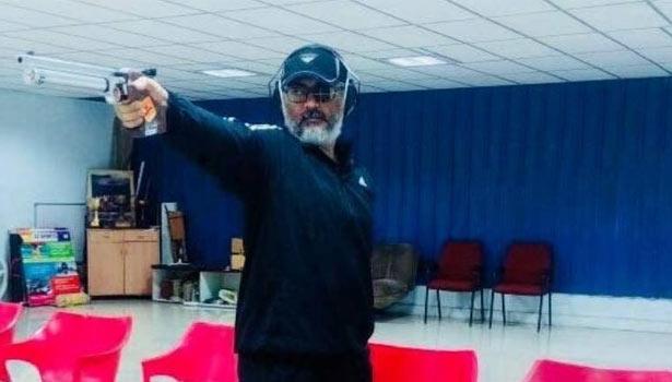 துப்பாக்கி சுடுதல் போட்டியில் பங்கேற்கும் அஜித்