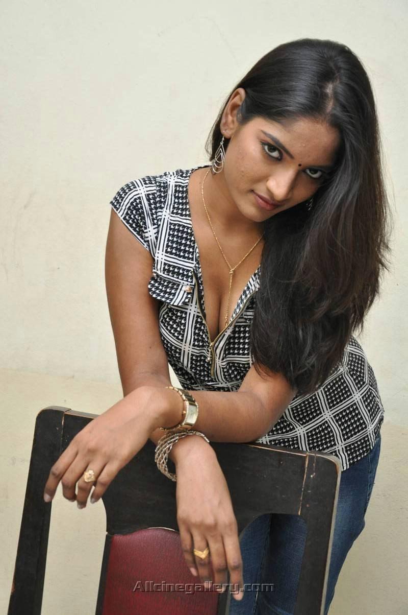 Actress-Keerthi-Hot-Stills-05