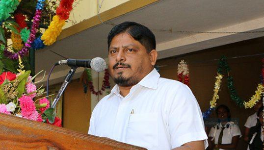 வவுனியா பஸ் நிலைய சோதனை சாவடியால் பயணிகள் பெரும் துன்பங்களை அனுபவிகின்றனர்-மஸ்தான்