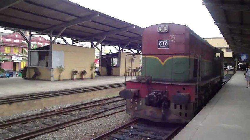 ரயில்வே ஊழியர்கள் மீண்டும் தொடர் பணிப்பகிஷ்கரிப்பு மக்கள் பெரும் அசௌகரியம்