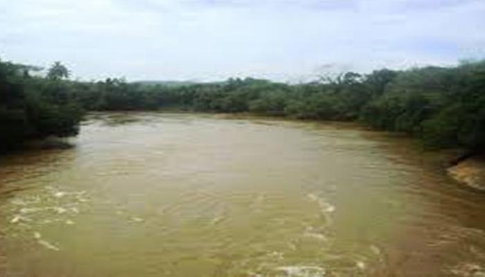ஆறுகளின் நீர் மட்டம் உயர்வு : அவதானமாக இருக்குமாறு மக்களுக்கு அறிவித்தல்