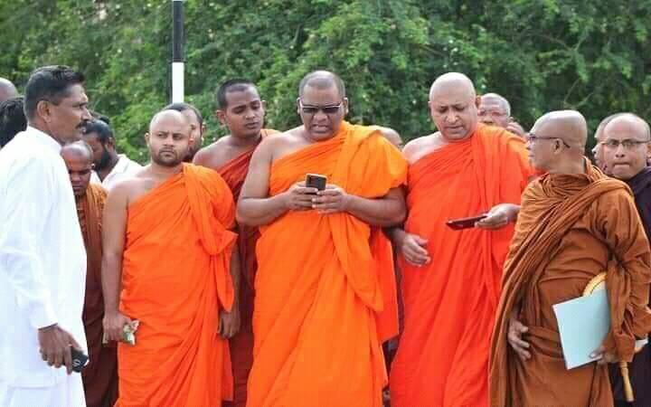 பிக்குகளின் அடாவடிக்கு எதிராக இன்று நீராவிடியடியில்  போராட்டம்