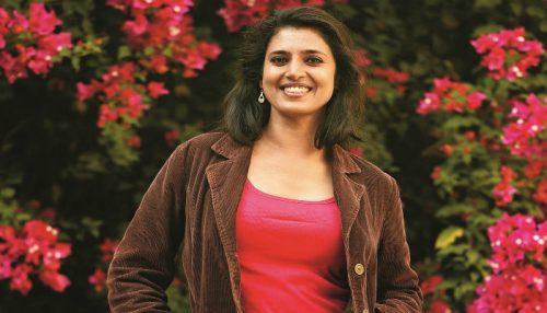 அஜித் ரசிகர் ஆபாசமான ட்வீட் – நடிகை கஸ்தூரி எச்சரிக்கை