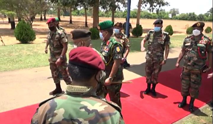 Army-Commander-Shavendra-Silva-Kilinochchi-Visit