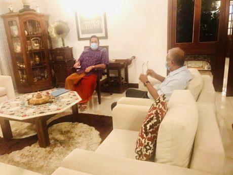 பிரதமர் மஹிந்த ராஜபக்ஷ மற்றும் சுமந்திரனுக்கும் இடையில் விசேட கலந்துரையாடல்