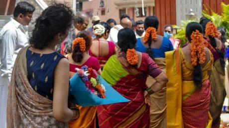 இலங்கையில் திருமண நிகழ்வுகளில் அதிகபட்சமாக 300 பேர் கலந்துகொள்ள முடியும் என அறிவிப்பு